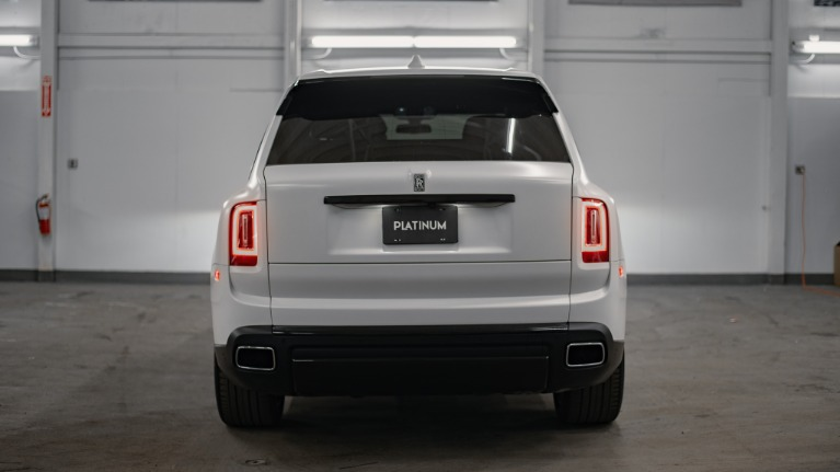 Used 2020 Rolls-Royce Cullinan Base for sale Call for price at Platinum Chicago in Lake Bluff IL 60044 5