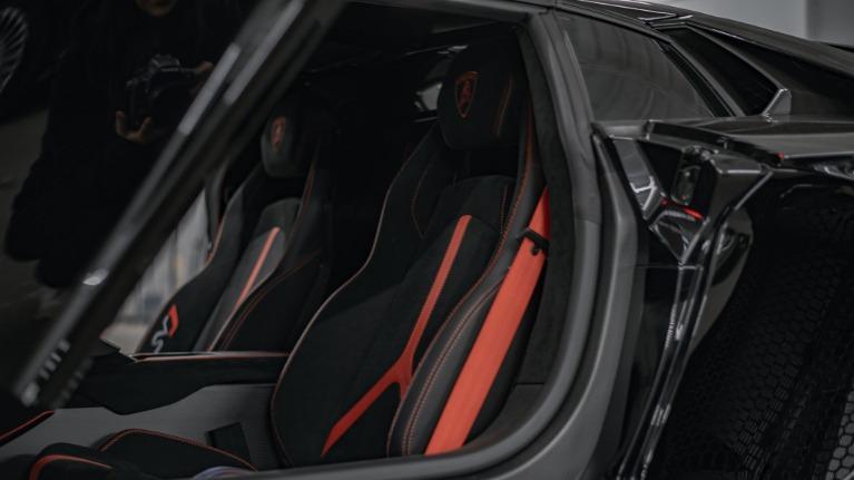 Used 2020 Lamborghini Aventador SVJ Roadst for sale Call for price at Platinum Chicago in Lake Bluff IL 60044 6