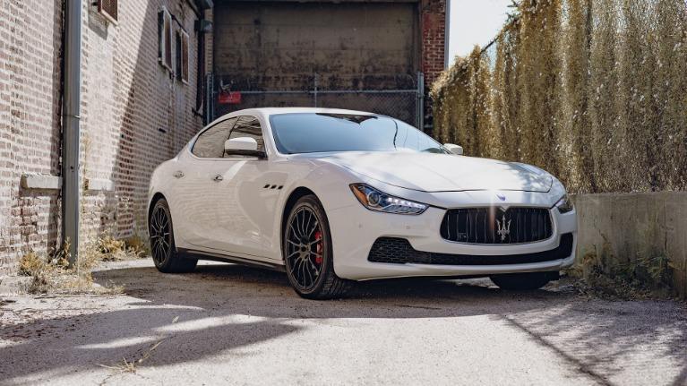 Used 2017 Maserati Ghibli S Q4 for sale Sold at Platinum Chicago in Lake Bluff IL 60044 2