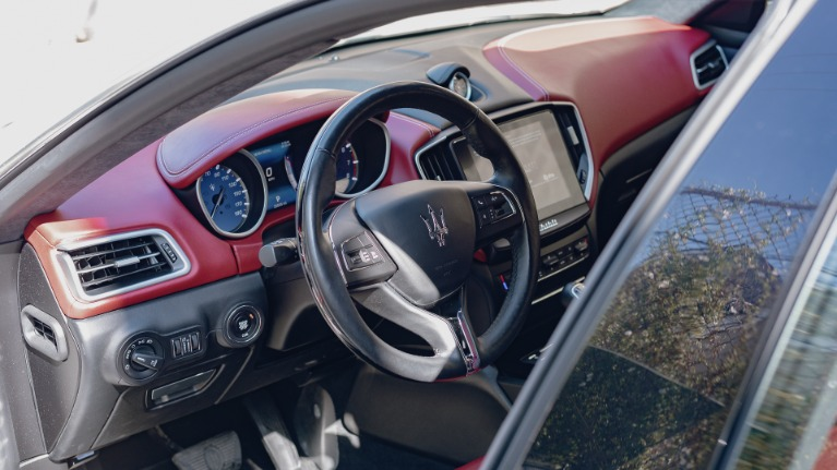 Used 2017 Maserati Ghibli S Q4 for sale Sold at Platinum Chicago in Lake Bluff IL 60044 6