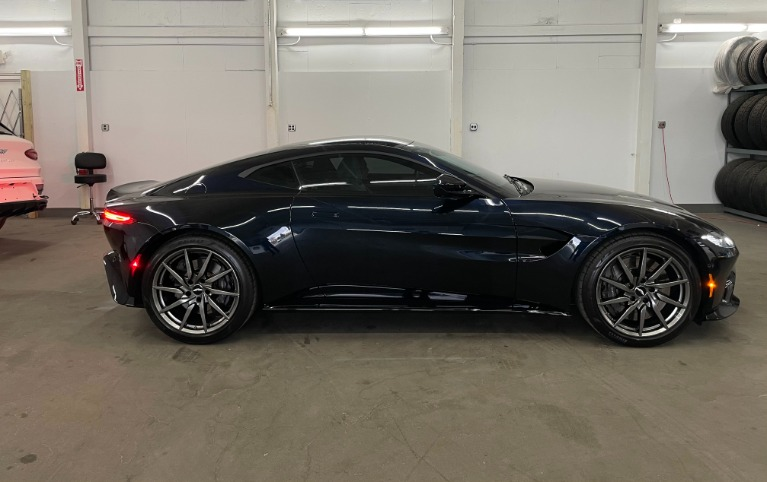 Used 2019 Aston Martin Vantage Base for sale $129,982 at Platinum Chicago in Lake Bluff IL 60044 3