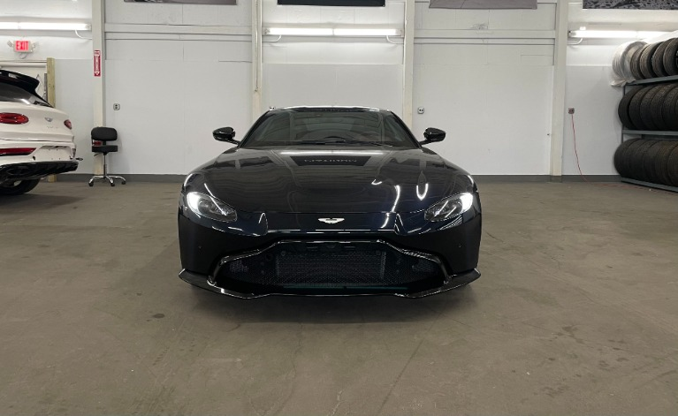 Used 2019 Aston Martin Vantage Base for sale $129,982 at Platinum Chicago in Lake Bluff IL 60044 1