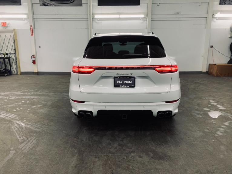 Used 2019 Porsche Cayenne S for sale $89,999 at Platinum Chicago in Lake Bluff IL 60044 10