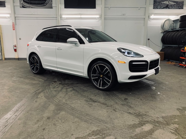 Used 2019 Porsche Cayenne S for sale $89,999 at Platinum Chicago in Lake Bluff IL 60044 13