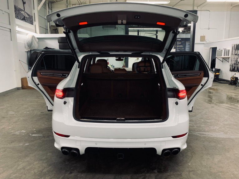 Used 2019 Porsche Cayenne S for sale $89,999 at Platinum Chicago in Lake Bluff IL 60044 2