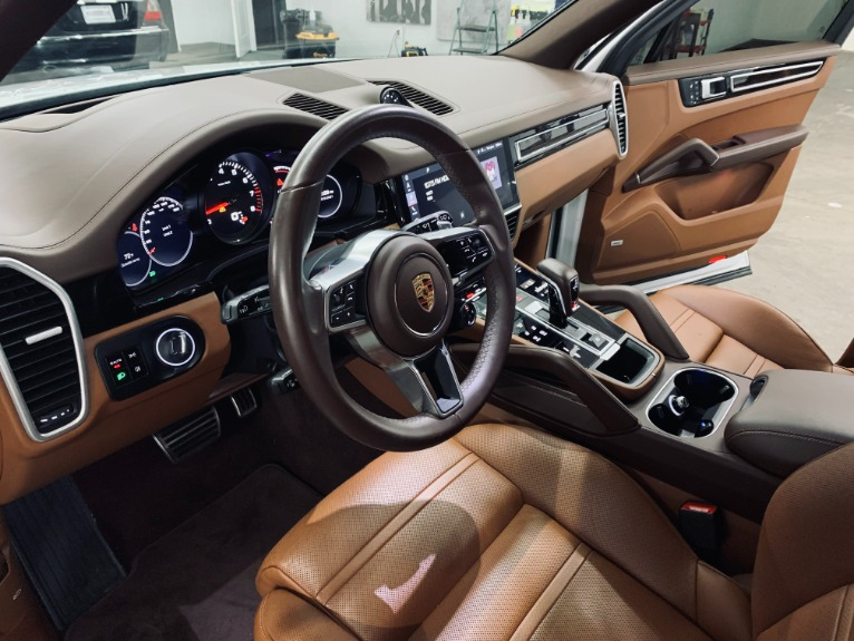 Used 2019 Porsche Cayenne S for sale $89,999 at Platinum Chicago in Lake Bluff IL 60044 9
