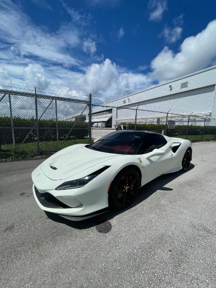 Used 2021 Ferrari F8 Spider for sale $599,995 at Platinum Chicago in Lake Bluff IL 60044 2
